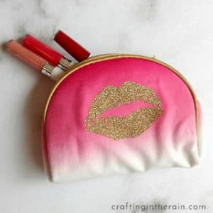 How to Decorate Makeup Bags with Vinyl