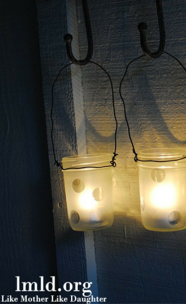 I made these adorable DIY – decorated mason jars. They were so easy and took no artistic skill, which makes me qualified to make them.