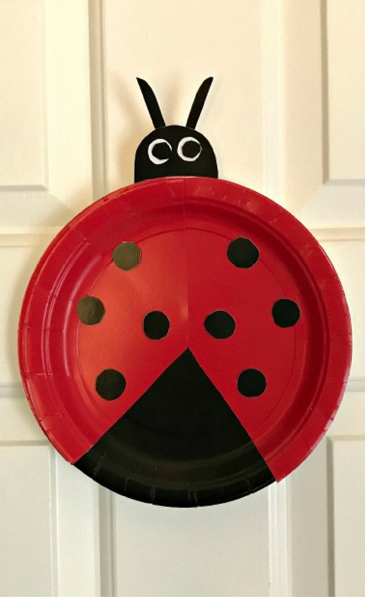 This simple paper plate ladybug craft if perfect for even the tiniest crafters! & Easy Paper Plate Ladybug Craft for Preschoolers - Blogger Bests