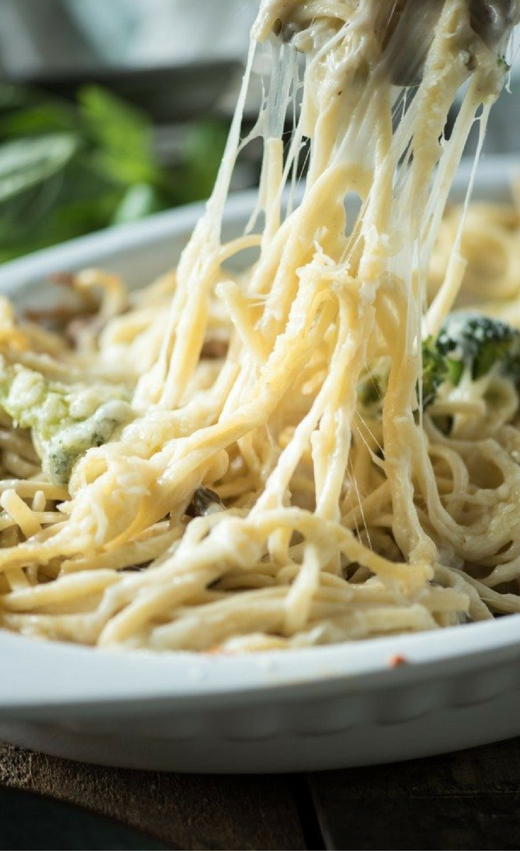 This Cheesy Chicken Spaghetti is a fast and easy weeknight dinner recipe that your whole family is guaranteed to love.