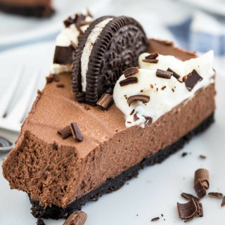 Easy Chocolate Mousse Cake with Oreo Crust