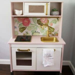 Easy IKEA DUKTIG Play Kitchen Makeover