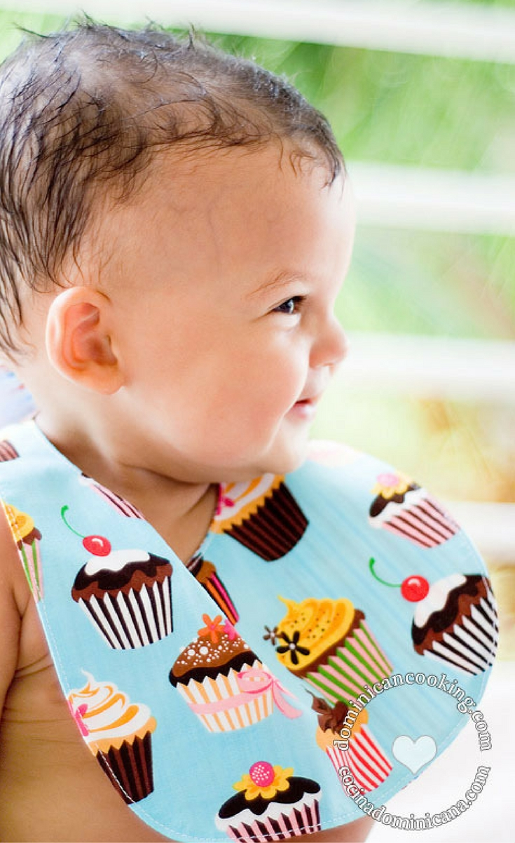 The good thing about these bibs is that anybody who can man a sewing machine without stitching their own finger can make these. They can be made with very little fabric, require no exotic materials (hook-and-loop is not exotic, right?), and can be whipped up in no time.