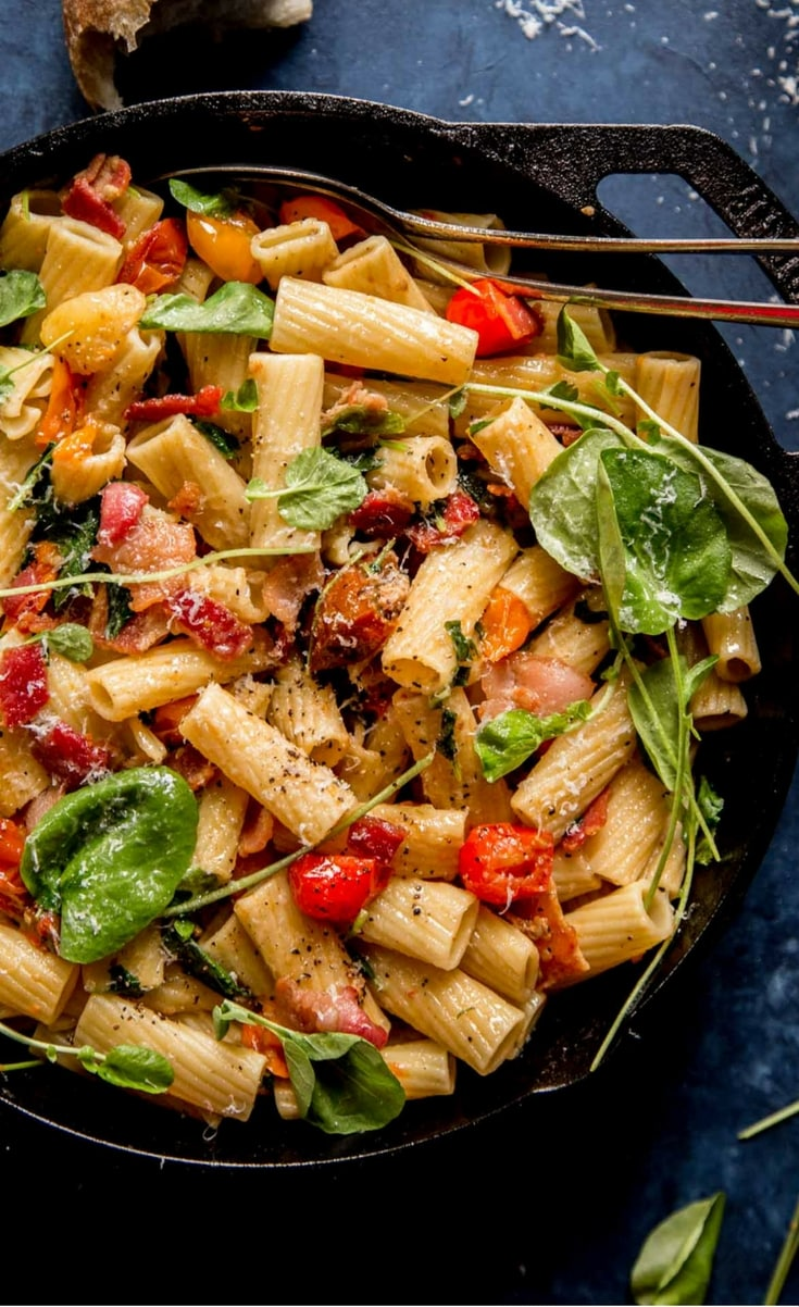 BLT Pasta is a quick and easy weeknight dinner that's budget friendly too!