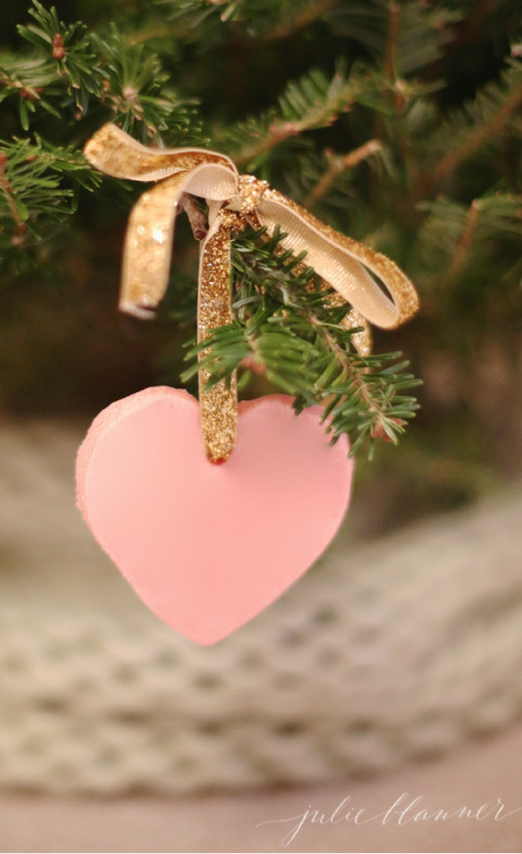 These beautiful homemade ornaments make great take home favors and gift tags as well!