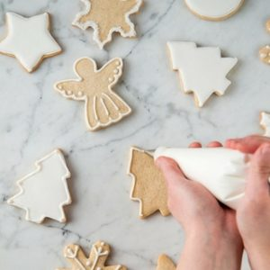 Decorating with Royal Icing – Sugar Cookie 101