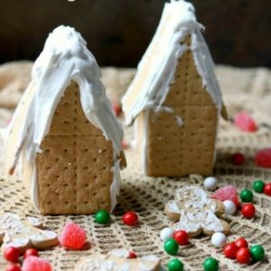 How to Make a Graham Cracker Gingerbread House