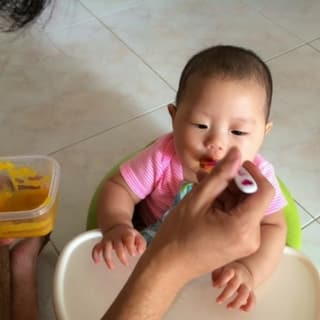 How to Start Baby Weaning